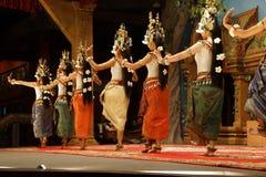 Ligne des danseurs d'apsara Photographie stock