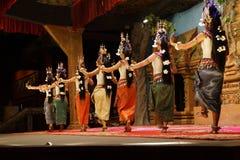 Ligne des danseurs d'apsara Photographie stock libre de droits