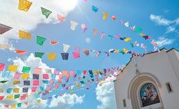 Ligne des drapeaux colorés Images libres de droits