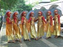 Ligne des filles indonésiennes Image stock