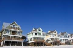 Ligne des maisons de plage Photographie stock libre de droits