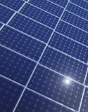 Ligne des panneaux solaires Photos stock