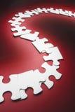 Ligne des parties de puzzle denteux Images stock