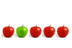 Ligne des pommes photographie stock