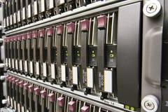Ligne des unités de disque dur Photo stock