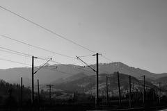 Ligne droite dans les montagnes photos stock