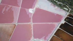 Ligne du ` s de la terre Une perspective verticale de bourdon des couleurs et des formes du ` s de la terre Salez les appartement
