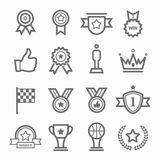 Ligne ensemble de symbole de trophée et de prix d'icône Image stock