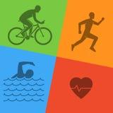 Ligne et logo plat de triathlon Icône nageant, de recyclage et de fonctionnement Photos libres de droits