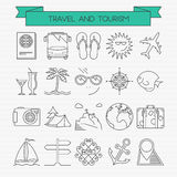 Ligne icônes de voyage et de tourisme réglées Images stock