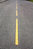 Ligne jaune route Images libres de droits