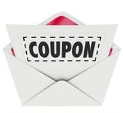 Ligne pointillée coupée par enveloppe vente de bon d'offre spéciale Photo stock