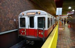Ligne rouge de métro de Boston, le Massachusetts, Etats-Unis Photo libre de droits