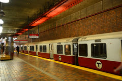 Ligne rouge de métro de Boston, le Massachusetts, Etats-Unis Images stock