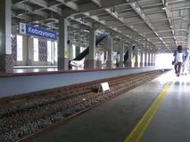 Ligne station de banlieusard Photos stock