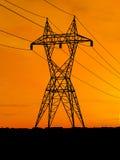 Lignes à haute tension électriques Photo libre de droits