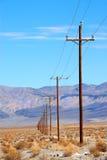 Lignes électriques Death Valley Photos stock