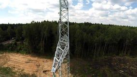 Lignes électriques Transmission d'electricit Installation des pylônes Tension des fils 112 banque de vidéos
