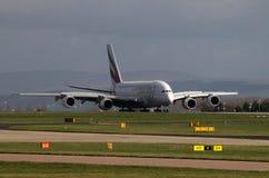 Lignes aériennes Airbus A380 d'émirats Images stock