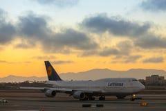 Lignes aériennes Boeng 747 de Lufthansa Photographie stock
