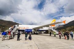 Lignes aériennes de DrukAir à l'aéroport de Paro Photo stock
