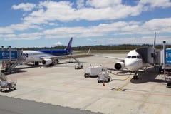 Lignes aériennes de LATAM à l'aéroport de Puerto Montt, Chili Photo libre de droits