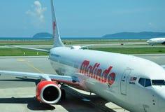 Lignes aériennes de Malindo en Kota Kinabalu Internation Airport Photographie stock libre de droits