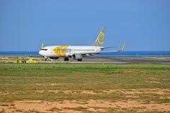 Lignes aériennes de Primera décollant de l'aéroport d'Alicante Images stock