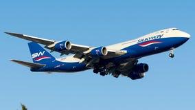 Lignes aériennes occidentales de manière en soie de VQ-BVB, Boeing 747-800F Photographie stock