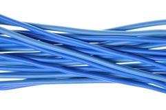 Lignes bleues de cables électriques photographie stock libre de droits