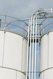 Lignes d'essence de réservoir de stockage Images libres de droits