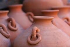 Lignes de la poterie d'argile rouge Photographie stock libre de droits