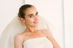 Lignes de rectification sur le visage de femme images stock