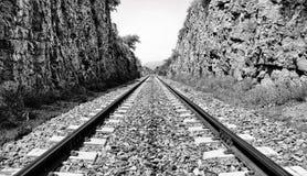 Lignes de voie à l'infini Image stock