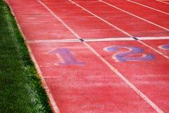 Lignes de voie pour la course courante photo stock