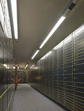 Lignes des compartiments de coffre-fort luxueux Photo stock