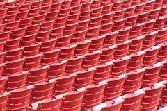 Lignes des sièges vides dans un theat extérieur Photographie stock libre de droits