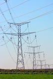 Lignes importantes de l'électricité photographie stock libre de droits