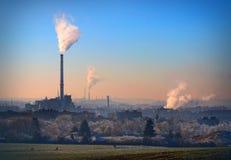 Lignit kombinerad värme- och kraftverkväxt Arkivbilder