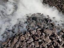 Lignitu węgla samorzutny spalanie obraz stock