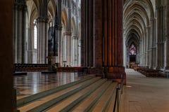 Ligns внутри собора Реймса стоковые фото