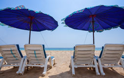 Ligstoel op het strand Royalty-vrije Stock Fotografie