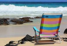 Ligstoel op strand Stock Fotografie