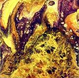 Liguid水彩和墨水抽象金绘画 弄湿气喘的例证、抽象背景和墙纸 黄色 免版税图库摄影