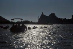 Liguria Portovenere sikt av kyrkan av St Peter arkivbild
