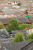 lijiang老城镇,云南,瓷屋顶 图库摄影