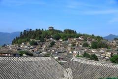 lijiang老城镇,云南,瓷屋顶 免版税库存图片
