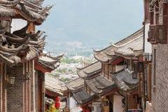 LIJIANG, CHINE - 5 SEPTEMBRE 2014 : Toit à la vieille ville de Lijiang (l'UNESCO image libre de droits