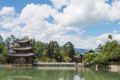 LIJIANG CHINY, SEP, - 4 2014: Czarny smoka basen przy Starym miasteczkiem Li Zdjęcie Royalty Free