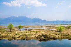 Lijiang Lashi湖沼泽地是一个全国自然风景点在市丽江附近,中国 免版税图库摄影